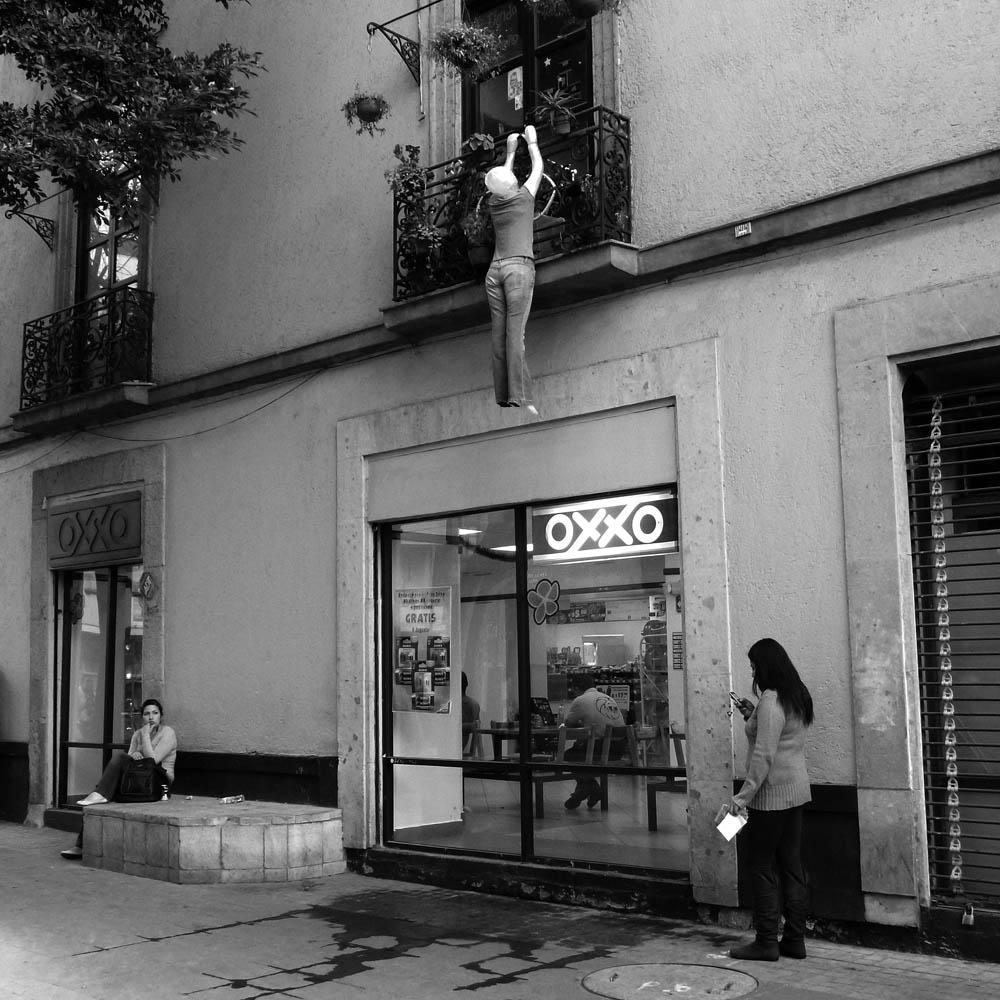 MEXICO CITY – street photography | ciapannaphoto City Street Photography