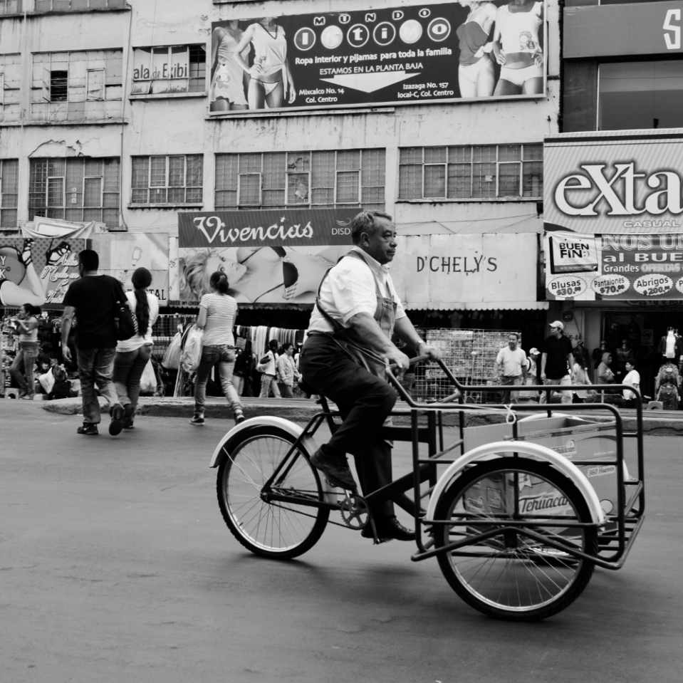 Inn Mexico City, some pedal-powered vehicles carry their load in the front.