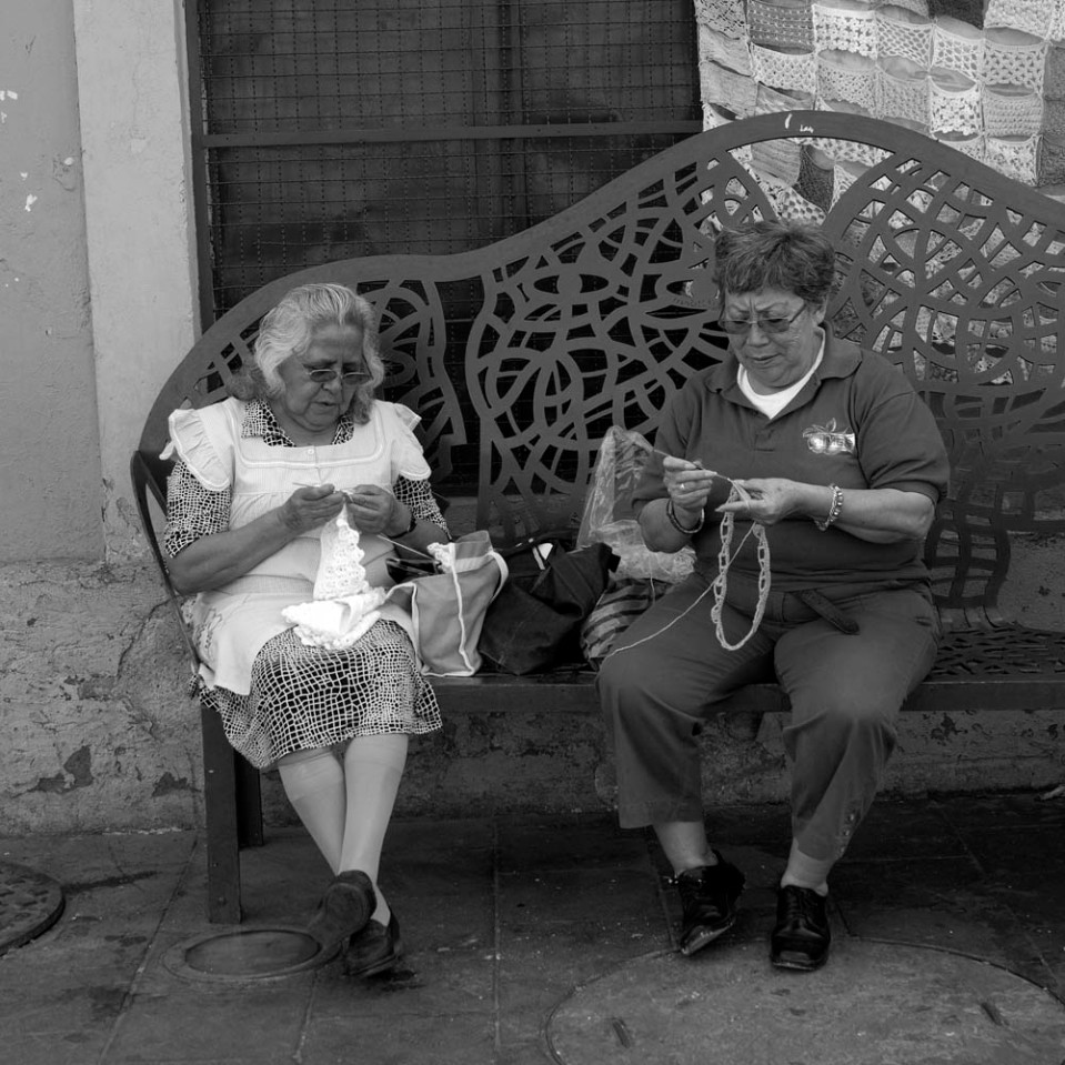 Can't possibly make fun of these two beauties. Sitting, knitting, chatting. Being. Viva Mexico!
