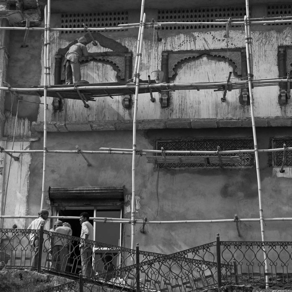 Telltale Rajasthani architecture and contemporary Indian infrastructure: the scaffolding is made of bamboo...
